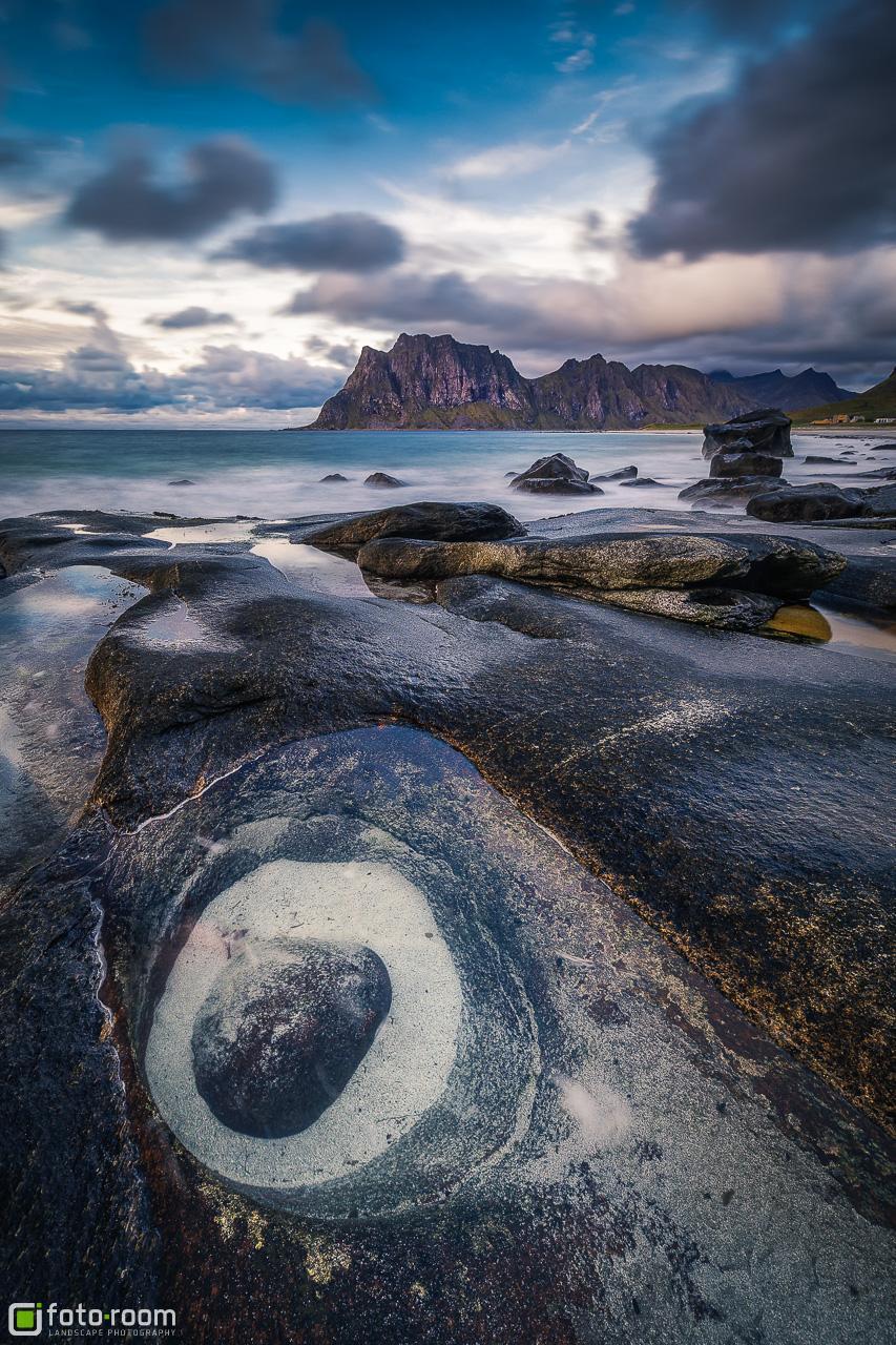 Uttakleiv Beach - Lofoten